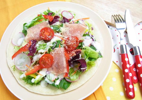 10品目野菜のサラダピザ 画像