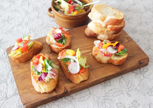 10品目サラダのブルスケッタ 画像