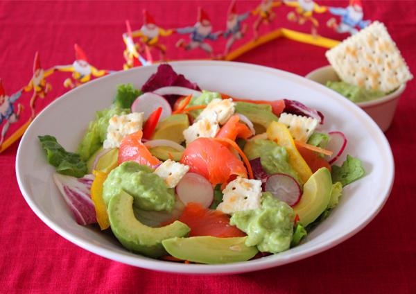バジルチーズアボカドディップのサーモンサラダ 画像