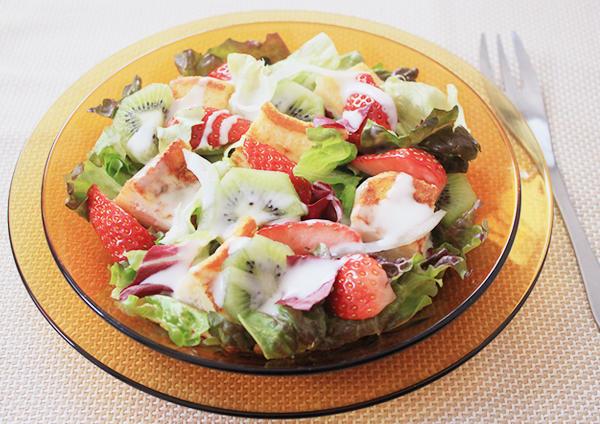 フルーツたっぷりサラダフレンチトースト 画像