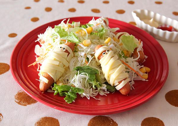 ウインナーミイラのコーンサラダ